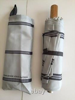 LOUIS VUITTON Foundation Art Museum Limited Folding Umbrella Gray Very rare F/S