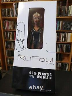 Nib Rupaul Doll Jason Wu Limited Edition Autographié Très Rare! Entraînement