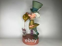 Très Rare 2005 Disney Mad Hatter Big Figure Limited Edition Mint Condition